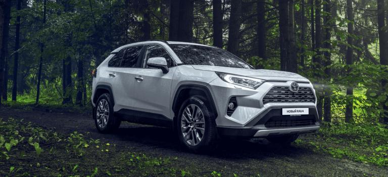 Toyota прекращает выпуск кроссовера RAV4 вРоссии