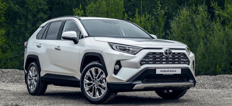 Два литра, вариатор ивсемирный успех: раскрываем секрет бестселлера Toyota RAV4 порезультатам продаж