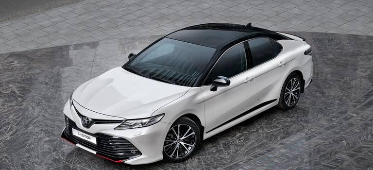 Дерзкий подарок кмужскому празднику: Toyota Camry S-Edition уже доступна вдилерских центрах