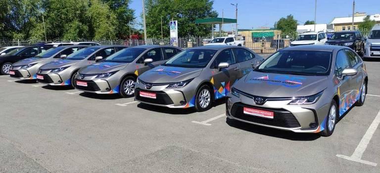 «Губахинский кокс» наградил 5 лучших сотрудников автомобилями Toyota Corolla