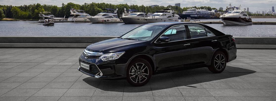 Toyota Camry Exclusive— удобство исвобода вождения встильной комплектации