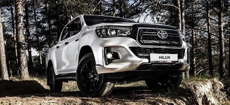 Начало продаж Toyota Hilux висполнении Exclusive Black