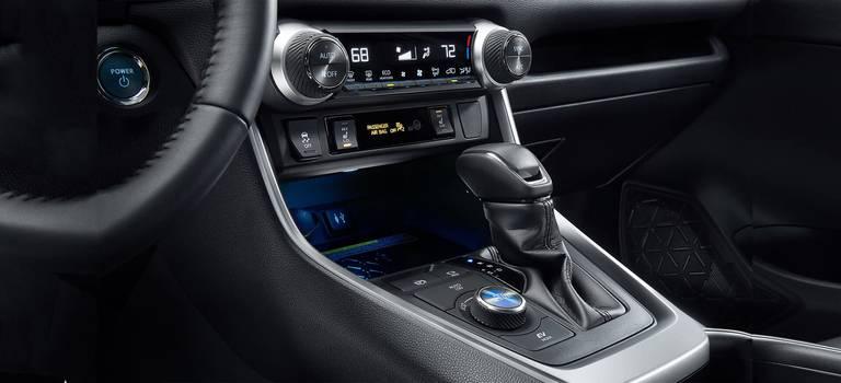 Тойоты смогут сами глушить мотор иуправлять рычагомКП