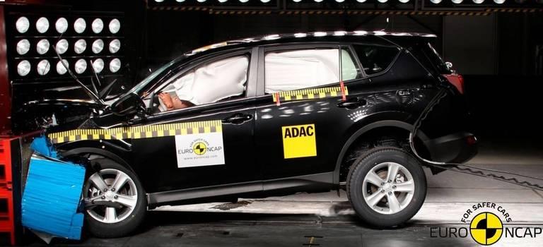 Максимально безопасные RAV 4 иCorolla