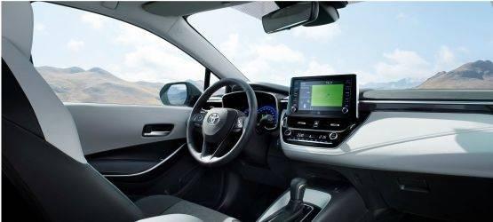 Toyota показала новую Короллу-универсал, которую представит вПариже