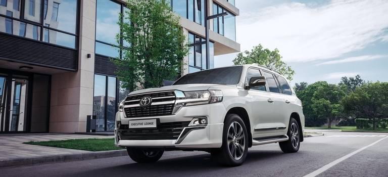 Обновленная версия Toyota Land Cruiser 200 Executive Lounge