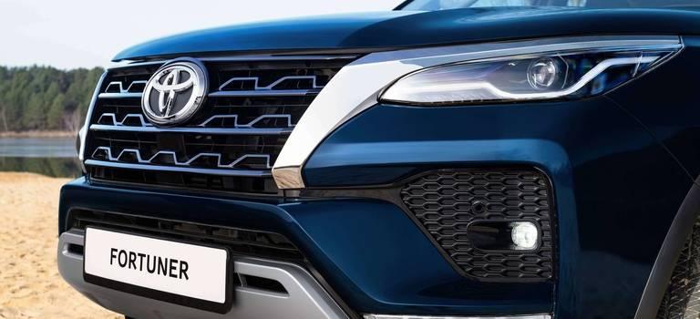 Toyota Fortuner иMitsubishi Pajero Sport − сравнение рамных внедорожников