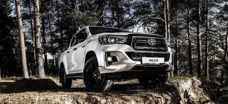Toyota начинает продажи востребованной премиальной версии Hilux Exclusive Black