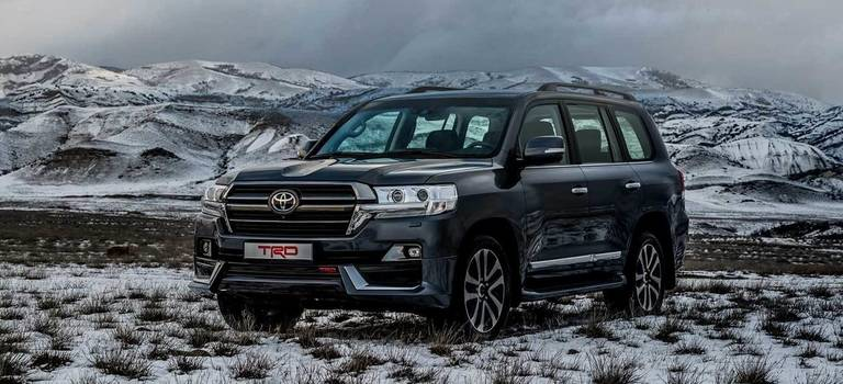 Toyota привезла вРоссию внедорожники Land Cruiser 200 иLand Cruiser Prado втюнинге TRD