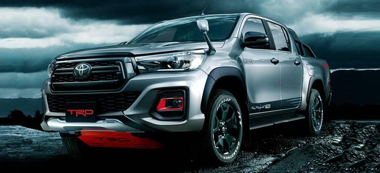 Toyota выпустила «раллийную» спецверсию пикапа Hilux