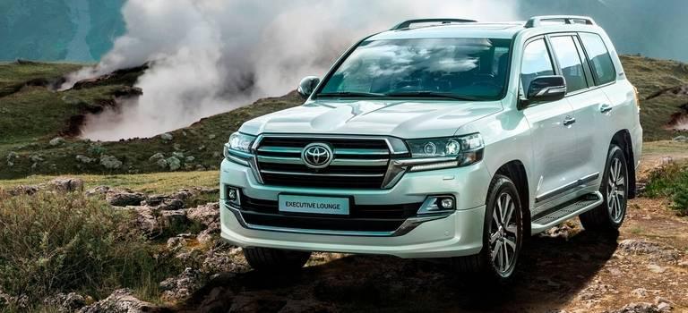 Ваши места всалоне первого класса: Toyota представляет новую топовую версию Land Cruiser 200 Executive Lounge!