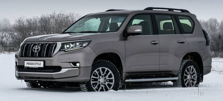 Toyota открывает 2019 год премьерой специальной серии Land Cruiser Prado Style вРоссии.