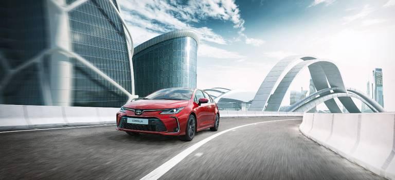31января начинается прием заказов наобновленную Toyota Corolla.