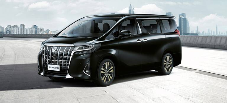 10 причин, почему обновленный Alphard— флагман легковой линейки Toyota
