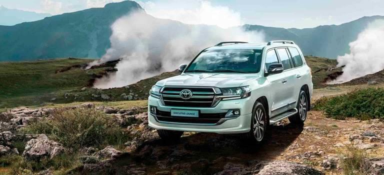 Toyota представляет Executive Lounge- новую топовую версию Land Cruiser 200