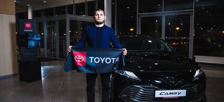 Хабиб Нурмагомедов— партнер Toyota