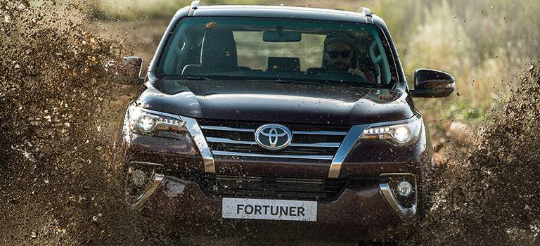 Новый рамный внедорожник Toyota Fortuner прибудет вРоссию воктябре