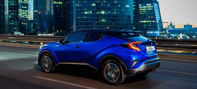 Toyota C-HR стартует вРоссии сотметки 1299000 рублей 1июня 2018 года