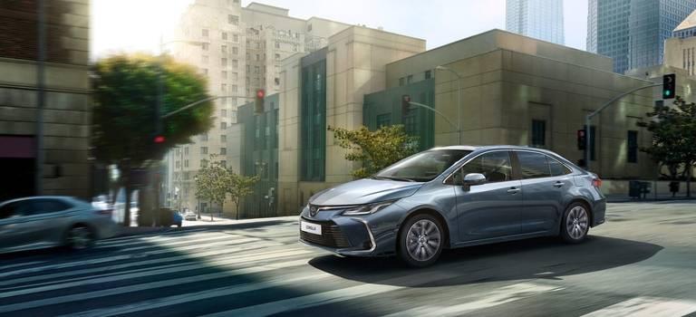 Живой тест-драйв абсолютно новой Toyota Corolla!
