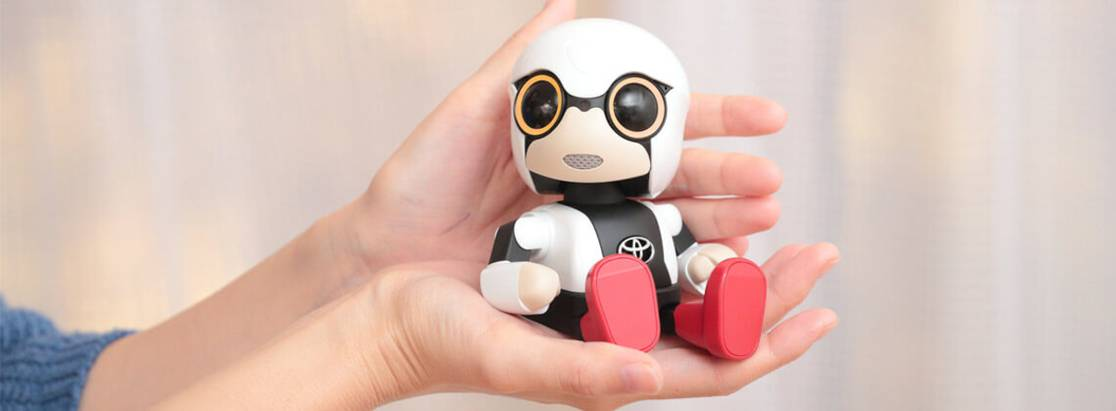 Тойота запустила продажи робота-компаньона Kirobo Mini