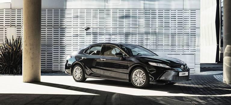 Toyota Camry вмае выгоднее на150000 рублей
