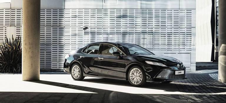 Toyota Camry вянваре выгоднее на100000 рублей
