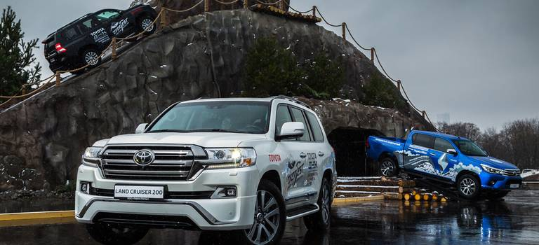 «Land Cruiser Land» признано лучшим тест-драйвом года
