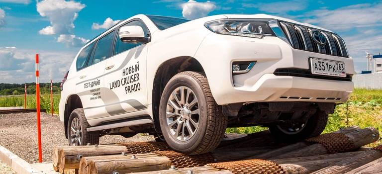 Экстремальный тест-драйв внедорожников Toyota