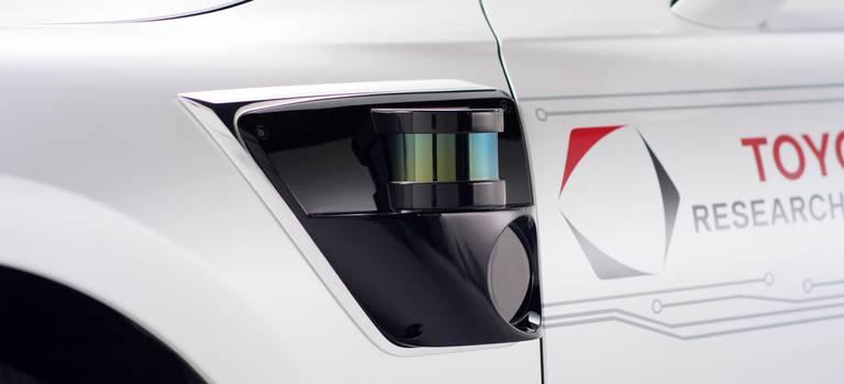 Беспилотный автомобиль отToyota сновым поколением алгоритмов управления