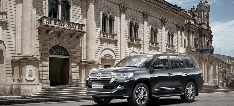 Обновленный Toyota Land Cruiser 200: изменения вэкстерьере иусовершенстванные технологии безопасности