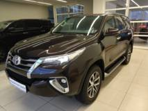 Toyota Fortuner 2.7 AT6 (166 л.с.) Комфорт
