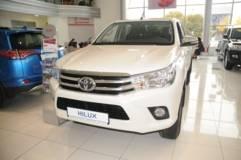 Toyota Hilux 2.4d MT6 (150 Л.С.) AWD Комфорт