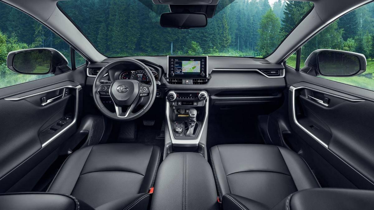 Интерьер Toyota RAV 4