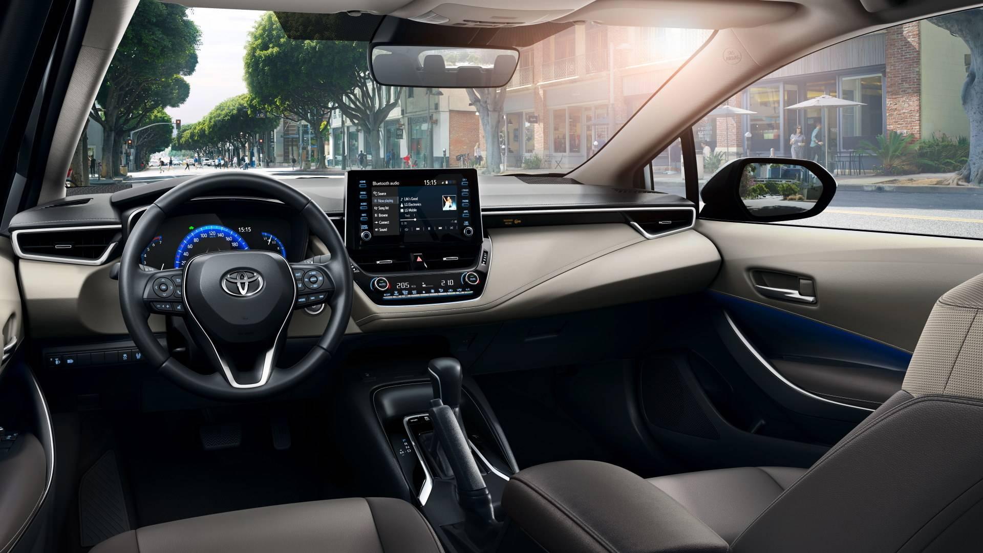 Интерьер Toyota Corolla 2020