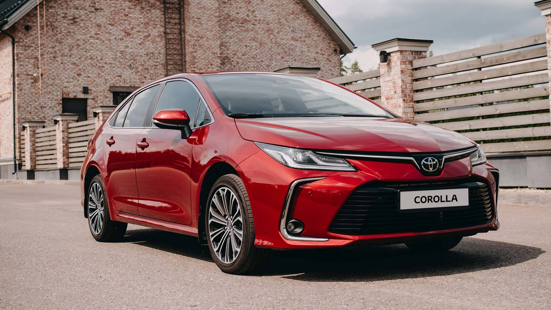 Автомобиль Тойота (Toyota) Corolla