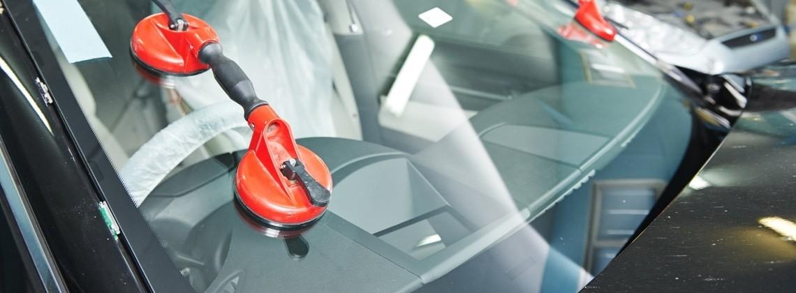 Замена ветрового стекла автомобиля
