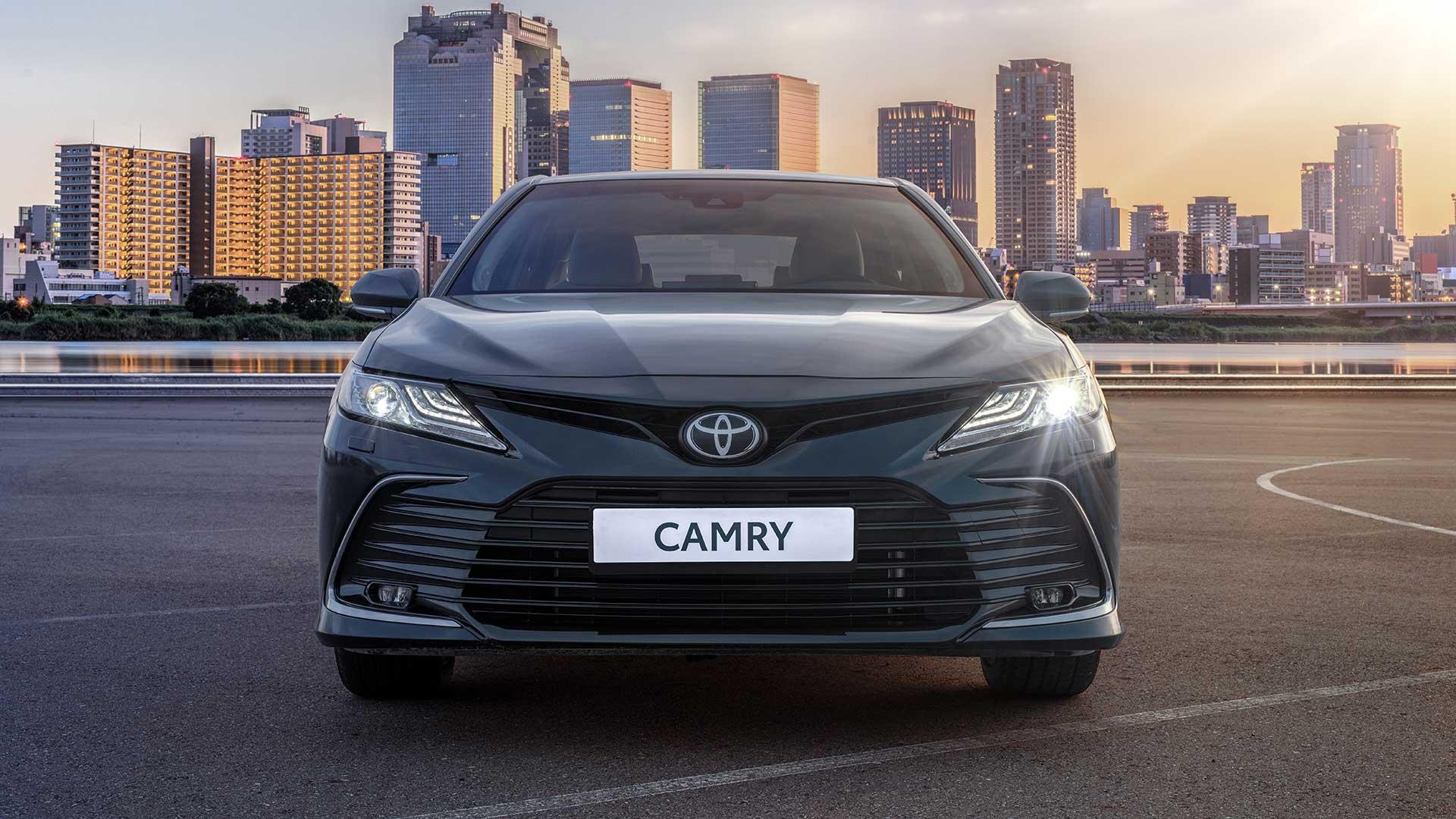 Экстерьер Тойота Camry