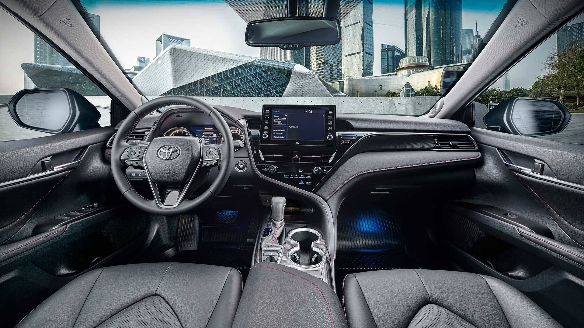 Салон Toyota Camry GR Sport