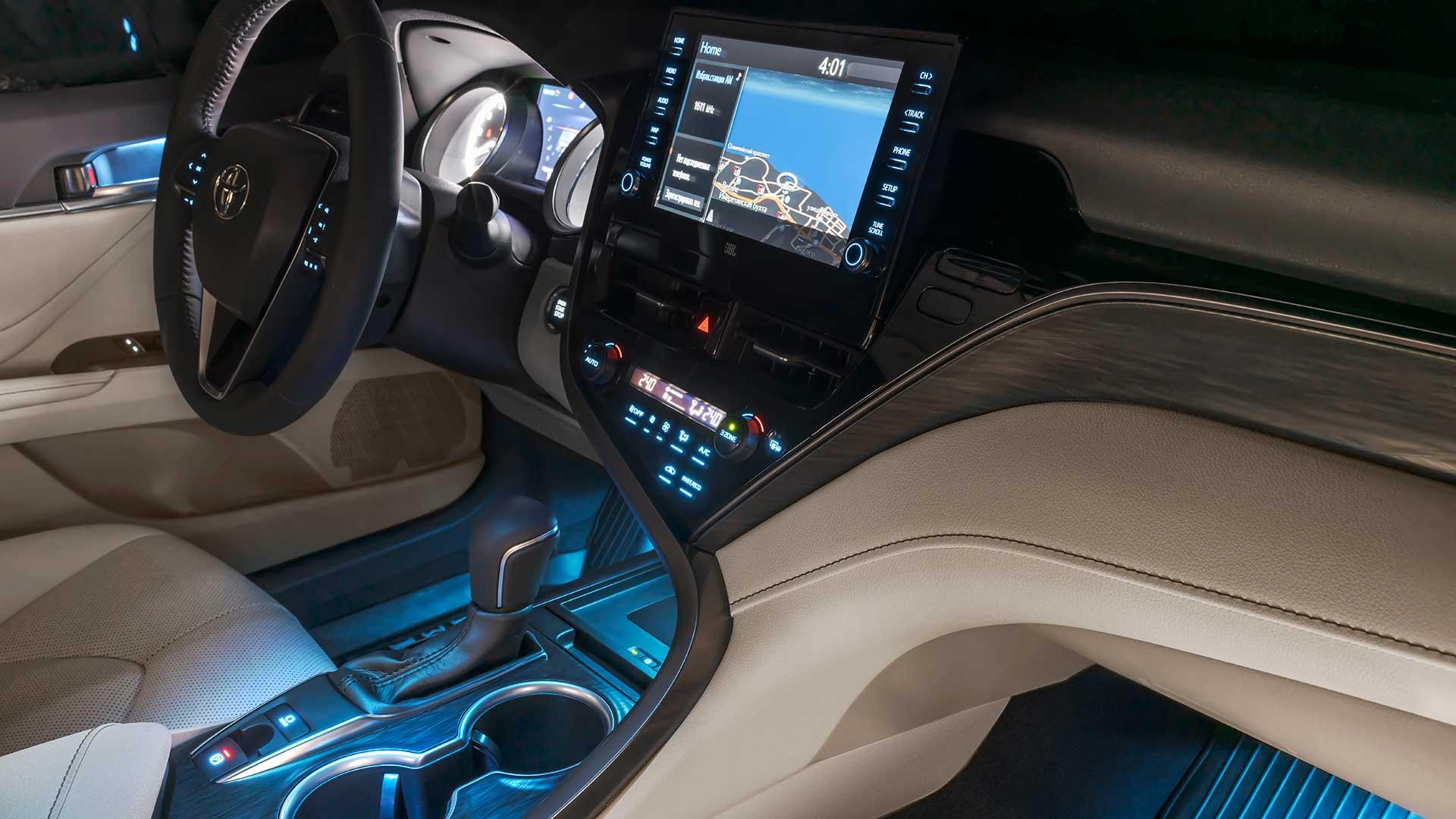 Цветовые решения Toyota Camry 2020