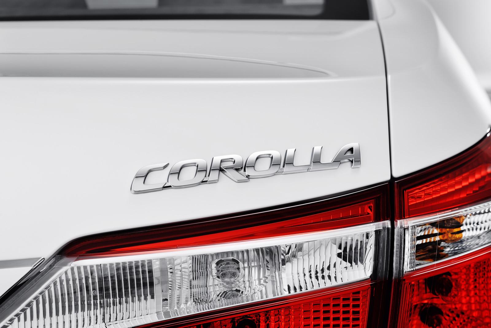 задние фары обновленная Тойота Королла