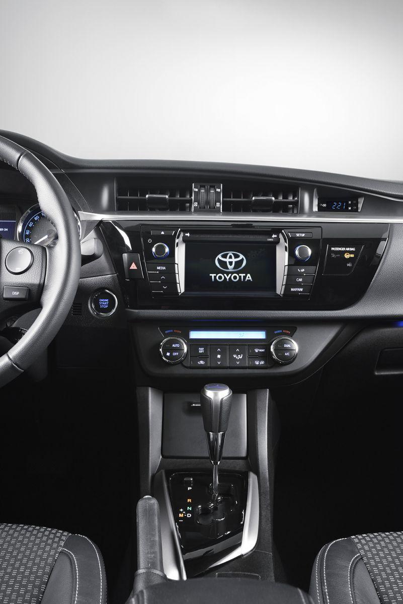 интерьер новая toyota Corolla
