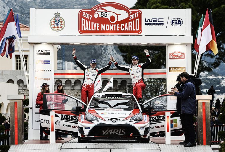 Ралли-кар Yaris WRC и экипаж на подиуме  Ралли Монте-Карло